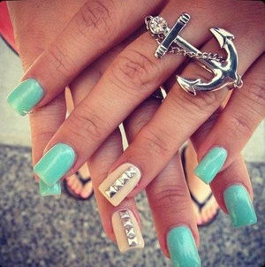 studded nails | I love your funny face, your sunny, funny face. | Pin… (46796)