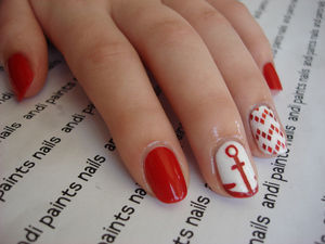 andi paints nails : Photo (48008)