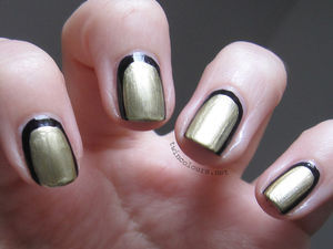 twincolours.net . beauty & design blog: Chanel style Outline Nails in Navy and Gold (49251)
