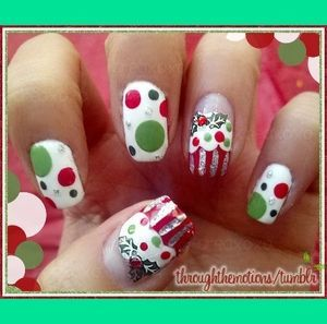 Christmas Cupcakes - Wrapping Paper Inspiration | Through-the-Motion S.'s (throughthemotions) Photo | Beautylish (49536)