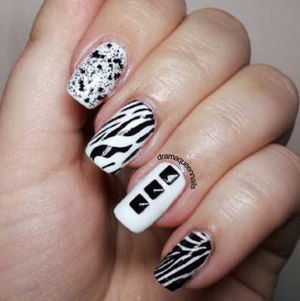 Drama Queen Nails: #31dc2013 - Day 7: Black and White (49721)