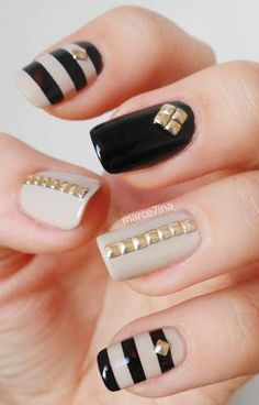 Nail Art Trend: 43 Studded Nails (53692)