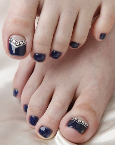 12 Nail Art Ideas For Your Toes (57426)