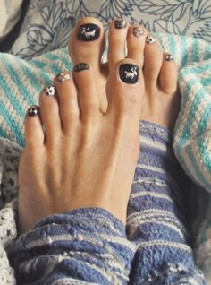 The cutest ugly winter sweater toes ever | Beauty!! Hair, nails, make… (58194)