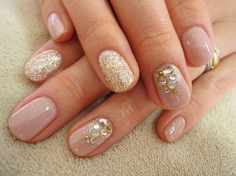 Nude, glitter and crystal nail art | wedding | Pinterest (75507)