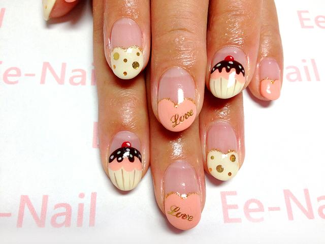 バレンタインカップケーキネイル 池袋ネイルサロン ☆Ee-Nail (イイ-ネイル) (102465)