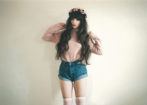 The Girl With The Broken Halo | We Heart It (137964)