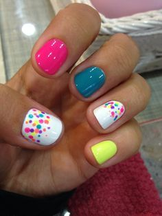 Color run nails! Done with bobby pin! :) | Ideas for the House | Pinterest (204258)