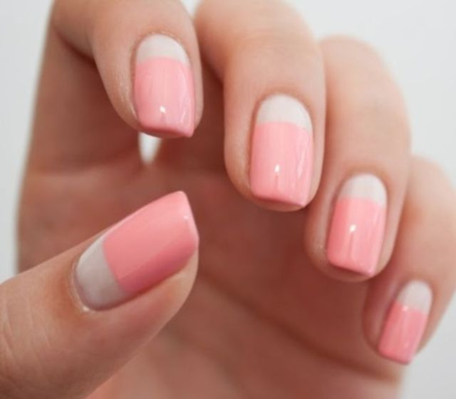 Reverse french manicure Check out the website to see more | ネイル | Pinterest (222722)