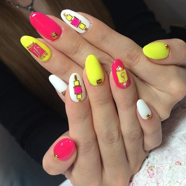 #イニシャルネイル • Instagram photos and videos (238978)