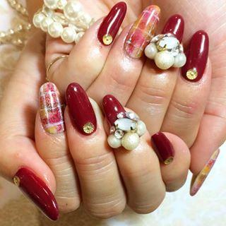 @kana.k_29 - Myネイル♡爪からはみ出たビジューたち笑左手でやったので人差し指のチェックは失敗です(... - Pikore (292942)