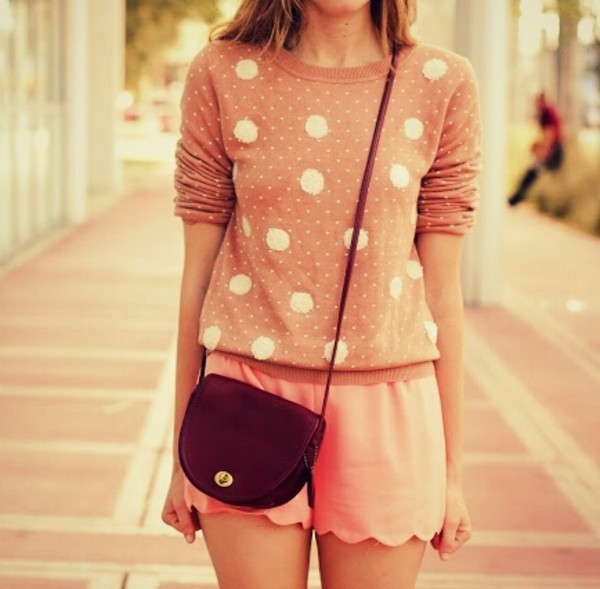 Sweater: pullover, polka dots, beige, pink, blonde hair, bag, shorts, cute, weheartit, vintage, girly             - Wheretoget (329905)