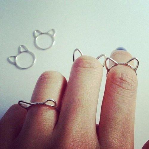 Bague en forme d'oreilles de chat🐱Voir sur: www.beukini.com by jewelry review | We Heart It (361722)