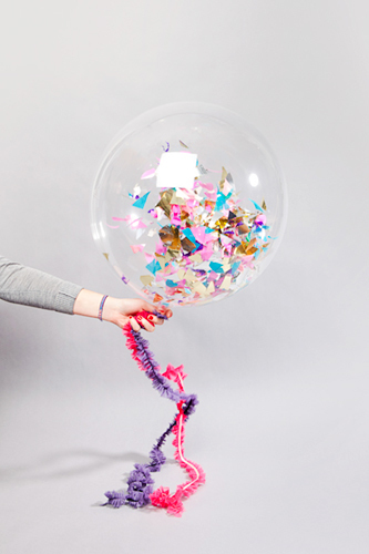 30 decorations to get the party strted by Refinery29 | We Heart It (363729)