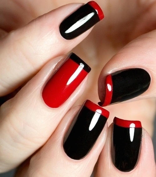 black and red nails by Lucy Arias | We Heart It (365001)