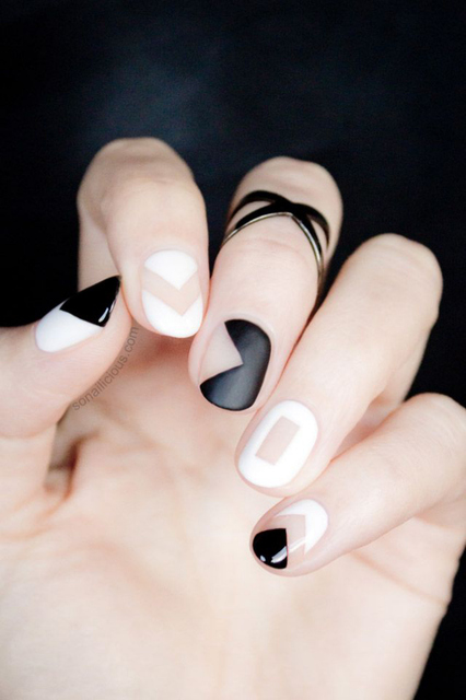 Black and White Negative Space Nails – Tutorial (383180)