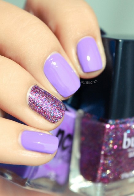 Lavender Polish with Purple Glitter Accent Nail ⋆ BeautyTipsnTricks.com (383775)