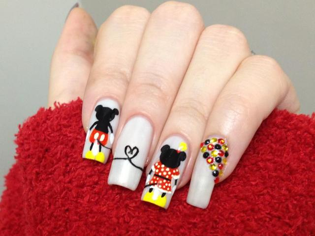 Minnie and Mickey Mouse Inspired Nail Art [Slideshow] (394386)