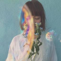 儚くて、アンニュイな雰囲気。水色ネイルで透明感のある雰囲気を…♩。