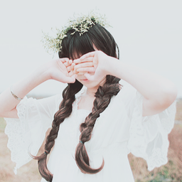 今すぐ真似したい!神崎恵さんのネイルに学ぶ、「 今より10倍美人になれる 」モテ指先の作り方♡