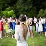 ゲストは主役じゃない!「結婚式お呼ばれネイル」の基本マナー