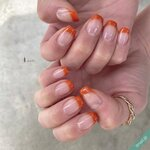 オレンジカラーのネイルで魅せる♪大人のおしゃれな指先10例