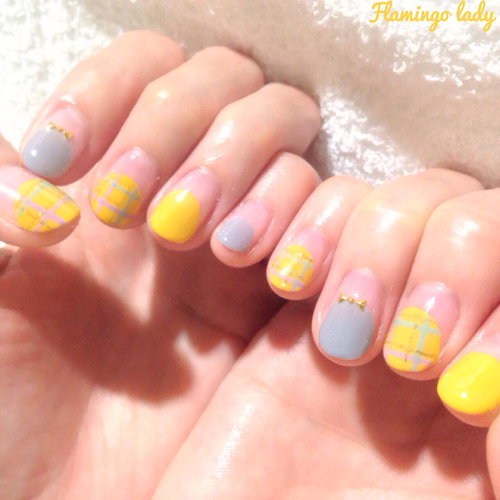 Autumn check nails | We Heart It (63732)