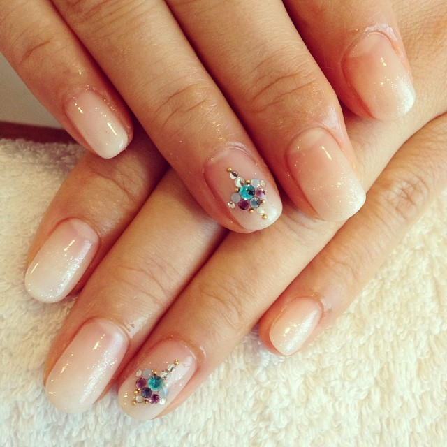 @andrea_nail_salon - #nail#handnail #white #whitegradation... - Enjoygram (64959)
