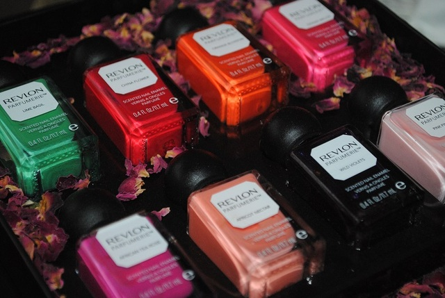 Revlon Parfumerie Nail Polish Fruit & Floral Collection Swatches - Really Ree (68963)
