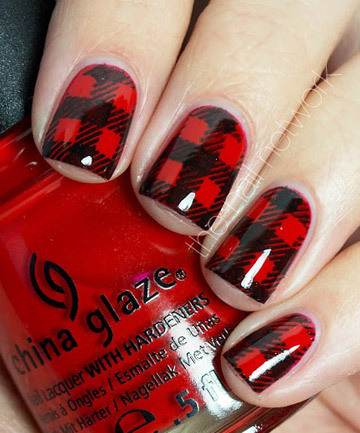 Buffalo Plaid Nails in Black and Red    We Heart It (75343)