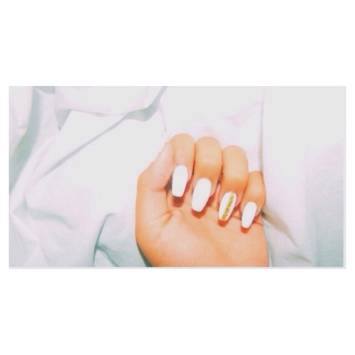 White nails💁❤️ | We Heart It (91098)