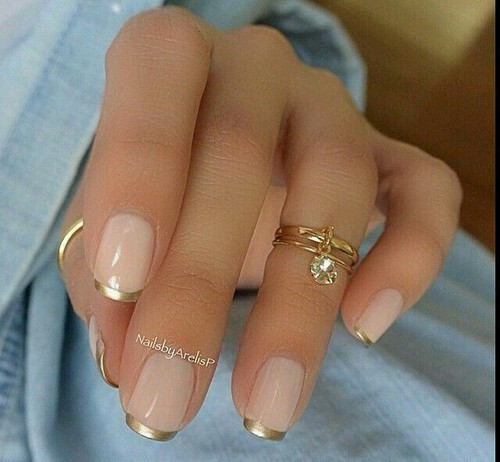 Gold tipped french manicure | We Heart It (91101)