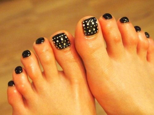 ブラック×スタッズ☆FOOT | Nail Design  by CLOUGE (94279)