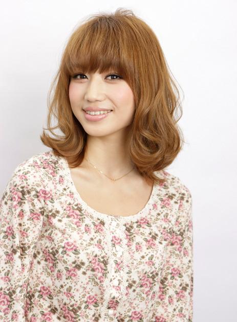 平 有紀子|人気No.1は顔まわりにデザインを入れた小顔ヘア|ヘアコレ (94867)