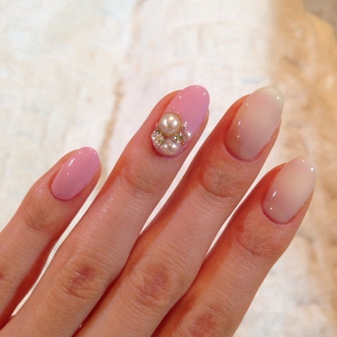 Cheryl pink nail|小林真由オフィシャルブログ「mayu's blog」powered by Ameba (95902)