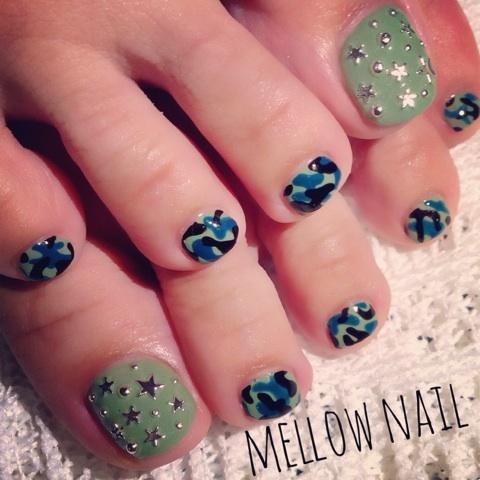 星スタッズ×迷彩フット★|京都精華町のネイルサロン mellow nail design book (125882)
