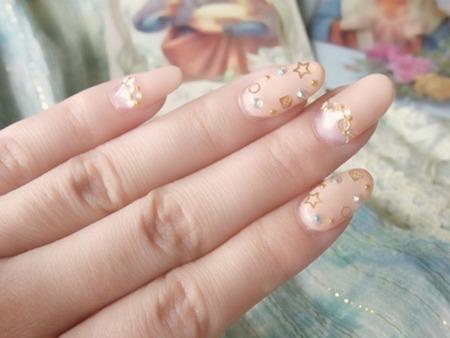 目立ちすぎず、清楚ネイル!指が長く、美しく見える!ヌーディーカラー・ネイル | 女子力アップCafe  Googirl (125887)