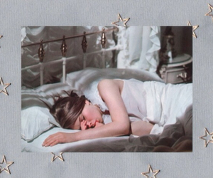 sleeping girl | We Heart It (139827)