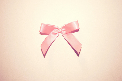 pink bow on Flickr - Photo Sharing! | We Heart It (140406)