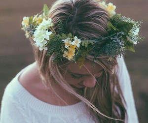Flower crowns ~just girly things | We Heart It (143214)