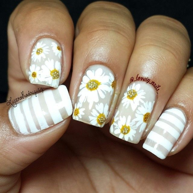 Can you guess which Nailtini shade was used as the base of this beautiful manicure by @_lovely_nails_ on Instagram? #NailArt #Daisies | nail | Pinterest (195652)