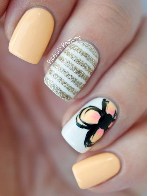 A little sparkle + a little floral = perfect nails! | Clouer & Nail Art | Pinterest (195653)