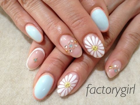 『マーガレット❁』 | My favorite nail art work | Pinterest (204057)