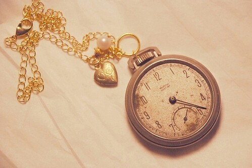 Clock necklace | We Heart It (211395)