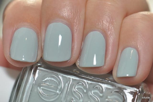 Spaz & Squee: Essie Swatches from various 2012 Collections (232096)