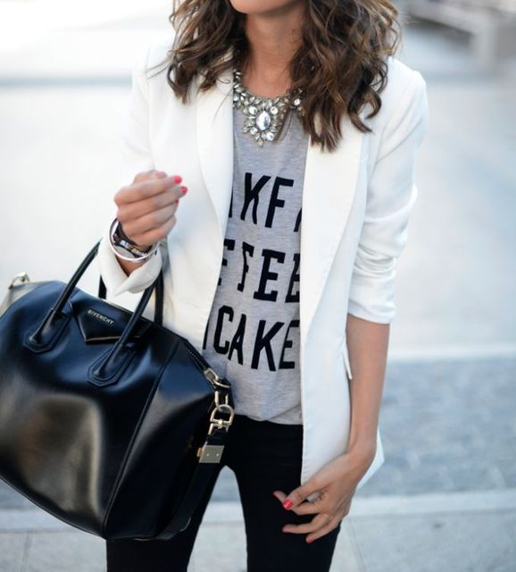 black and white and grey: White blazer, graphic tee, statement necklace, black skinnies and Givenchy bag. Via MiSuKw | Must have | Pinterest (236446)