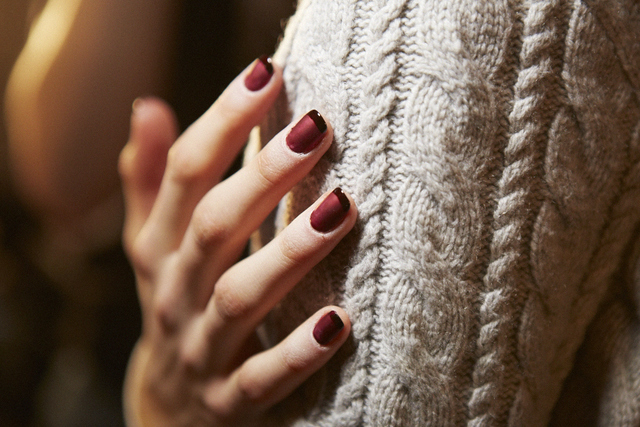 5 Glam Ways To Rock Red Nails Tonight  | The Zoe Report (238282)