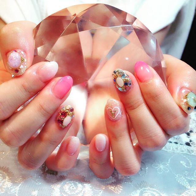 #イニシャルネイル • Instagram photos and videos (238968)