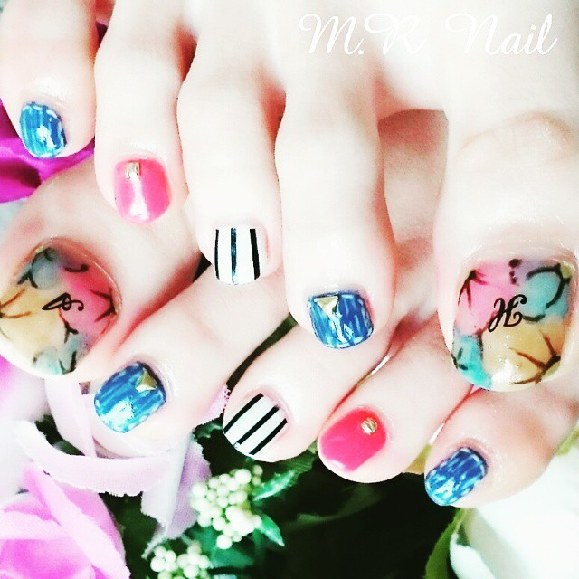 #イニシャルネイル • Instagram photos and videos (238983)