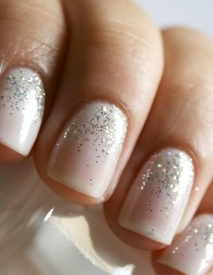 Glitter nails for the holidays. If I stop biting now... | S T Y L E   M E | Pinterest (242322)